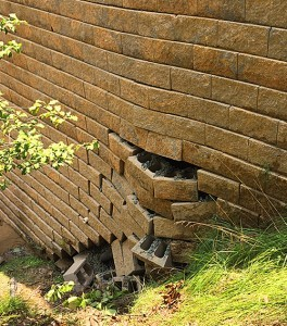 Retaining-Wall-Article-12-23-15-1-264x300